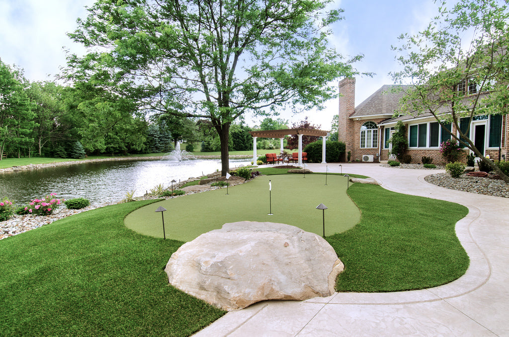 Maintain a Pristine Landscape With ForeverLawn