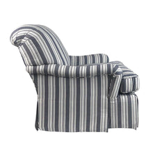 Traditional Style Swivel Armchair