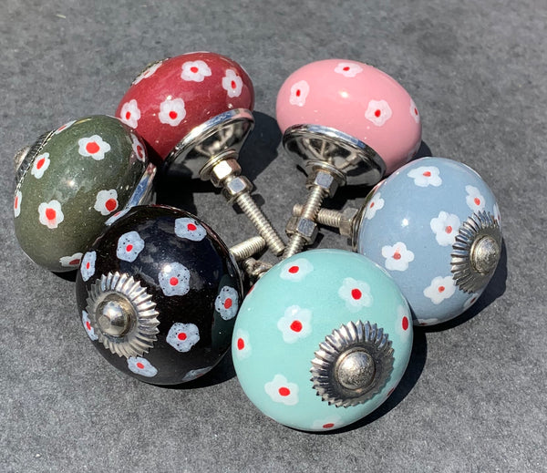 Door Knobs Daisy 4cm - NOW 20% OFF