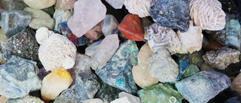 8 Tips on How to Identify Rocks and Crystals