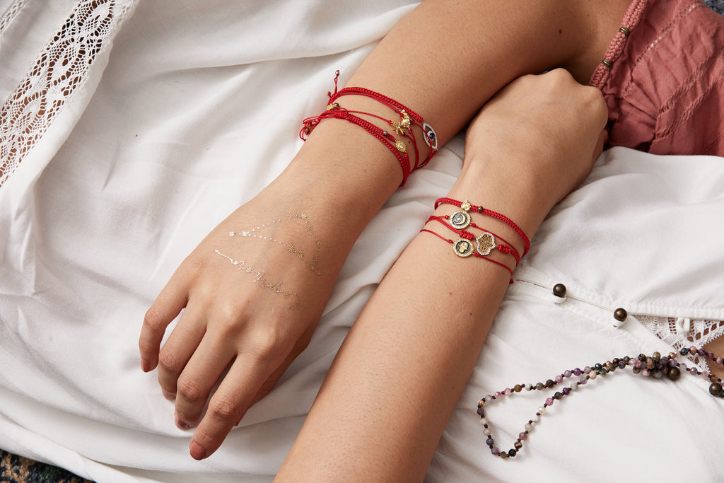 how to tie a bracelet red bracelet meaning