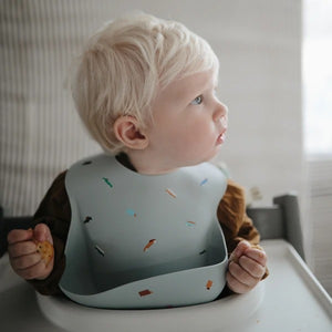 MUSHIE - Silicone Bib - Rocekt / Retro Cars / Brown Safari