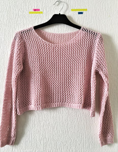 Pull cropped rose