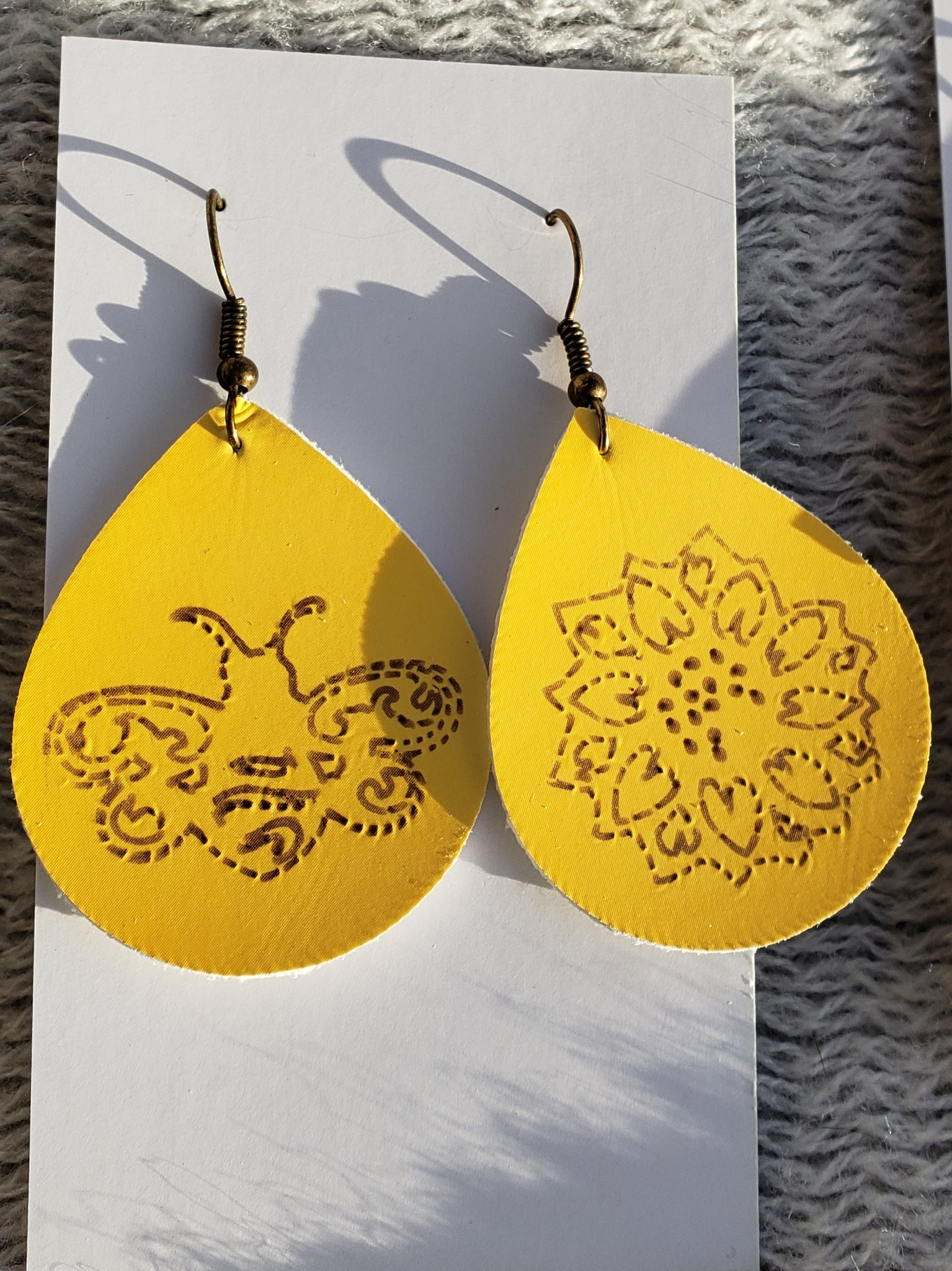 Honey love earrings