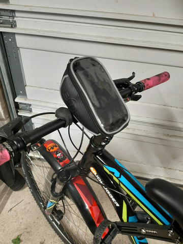 BTR bike phone bag holder bag on bicycle handlebars