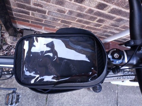 Frame bag with Sunvisor, fits on your Bike so you can see your phone / GPS