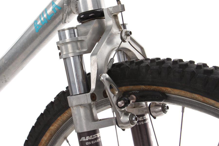 The Manitou fork provides 2in of travel