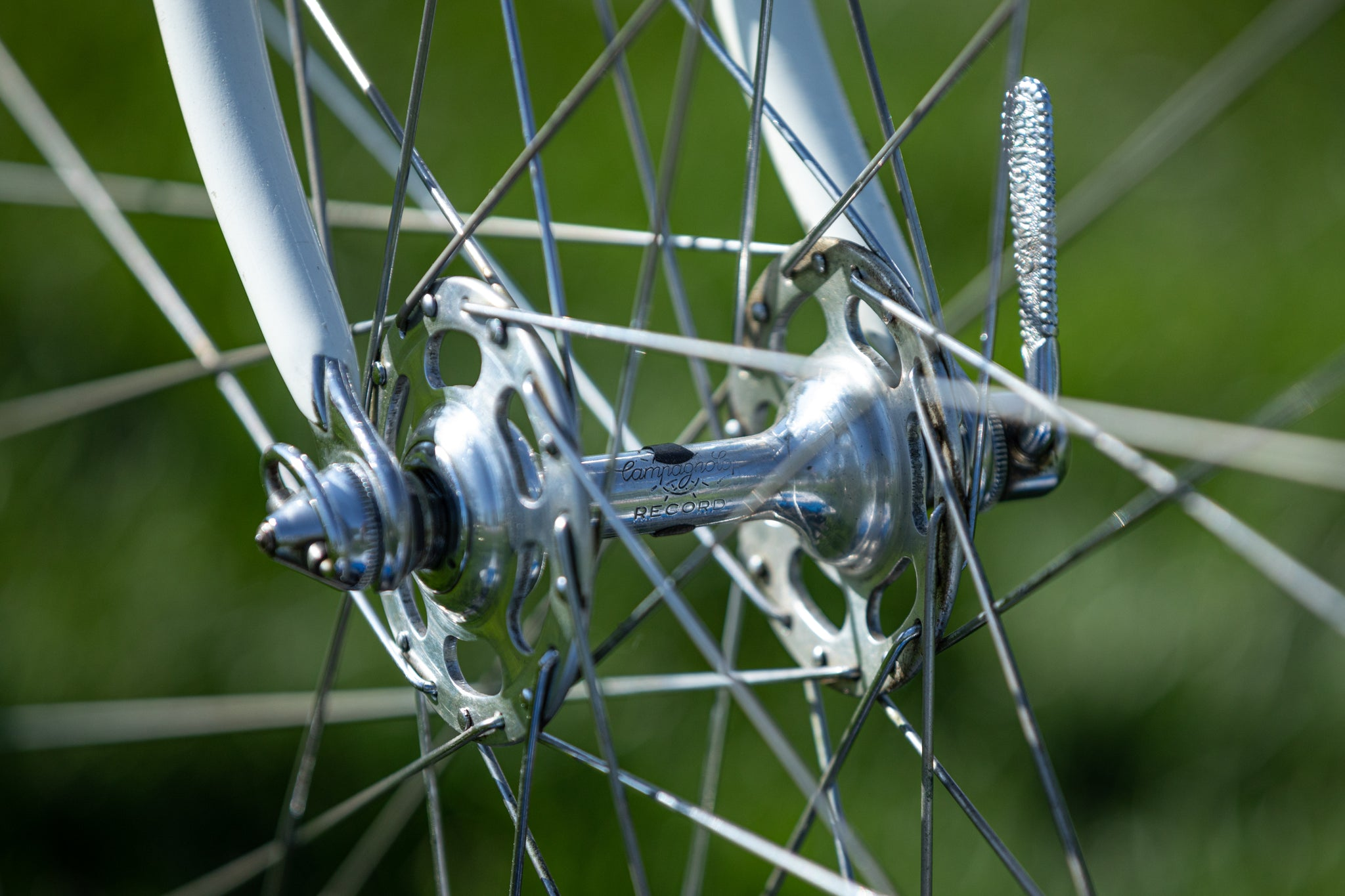 Campagnolo front hub