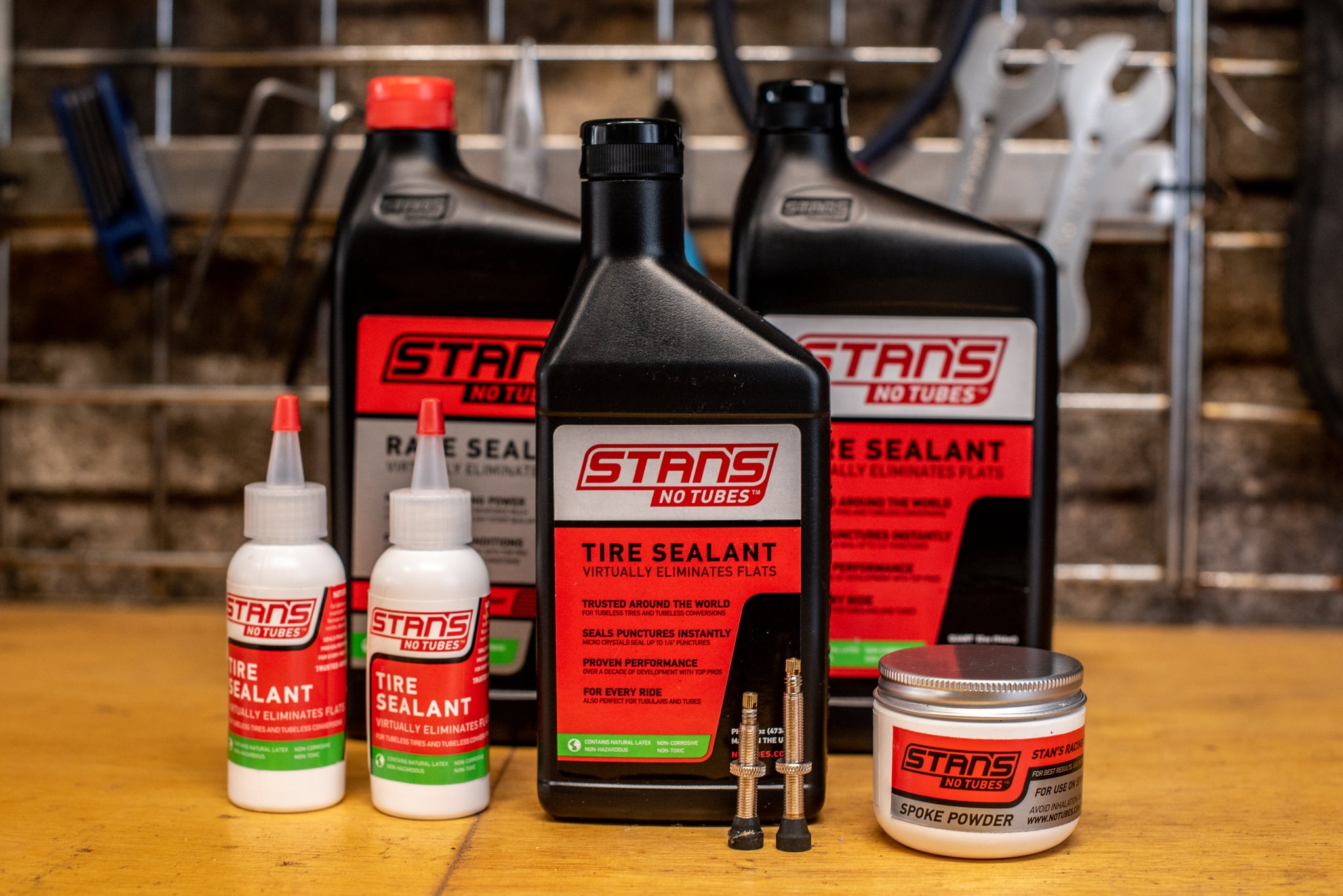 Tubeless road tires. Stan's NoTubes sealant