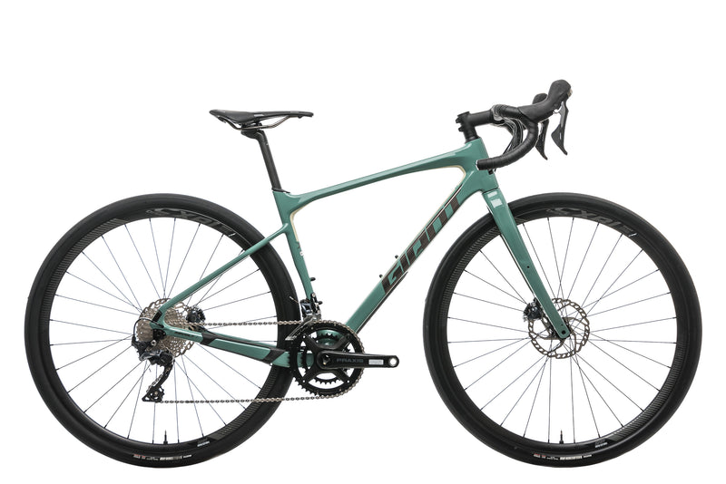 Giant Revolt Advanced 0 Gravel Bike - 2020, Small drive side