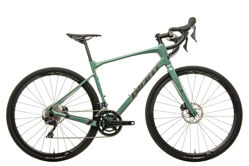 Giant Revolt Advanced 0 Gravel Bike - 2020, Med/Large drive side
