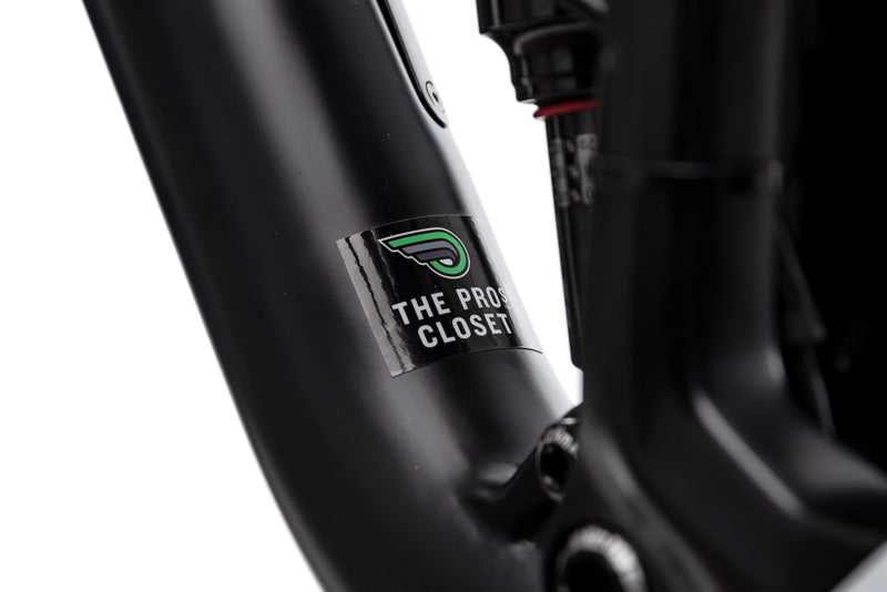 Focus O1E Pro Medium Bike - 2017 sticker