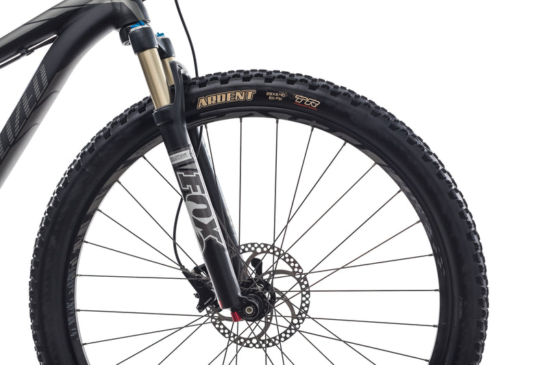 "Specialized Stumpjumper EVO 29 15.5"" Bike - 2014 front wheel"