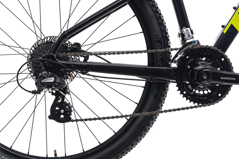 Trek Marlin 6 Small Bike - 2019 drivetrain
