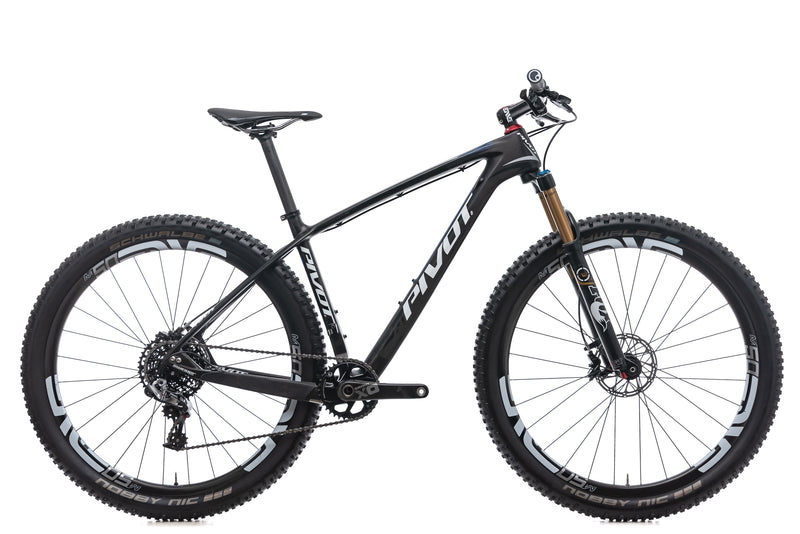 Pivot LES Medium Bike - 2016 drive side