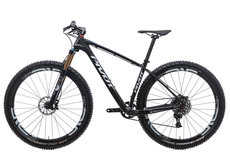 Pivot LES Medium Bike - 2016 non-drive side