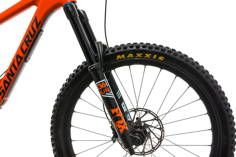 Santa Cruz Nomad CC Mountain Bike - 2019, Medium cockpit