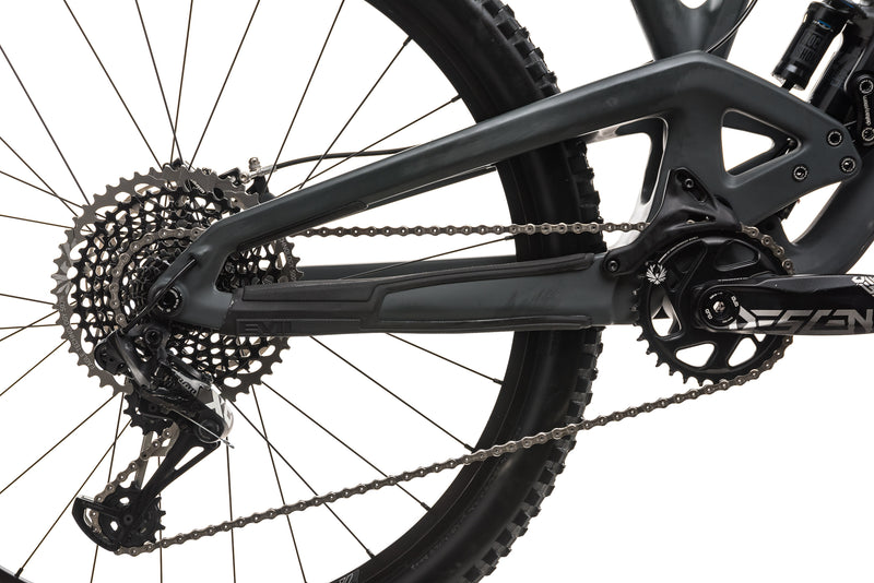 Evil Calling Mountain Bike - Medium drivetrain