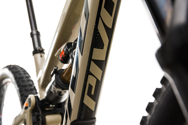 Pivot Firebird 29 Mountain Bike - 2019, Small detail 1