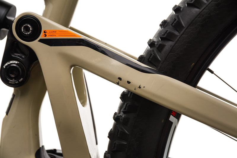 Pivot Firebird 29 Mountain Bike - 2019, Small detail 2