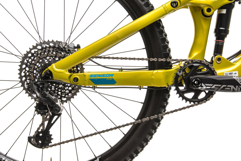 GT Sensor Carbon Pro Mountain Bike - 2019, Medium drivetrain