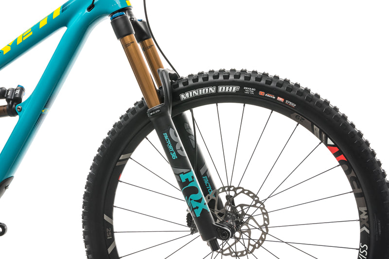Yeti SB5.5 Turq Team Race Mountain Bike - 2018, Medium cockpit