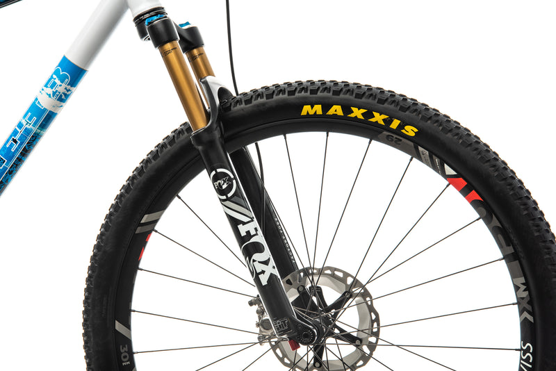 Reeb Cycles Dikyelous Mountain Bike - 2015, X-Large front wheel