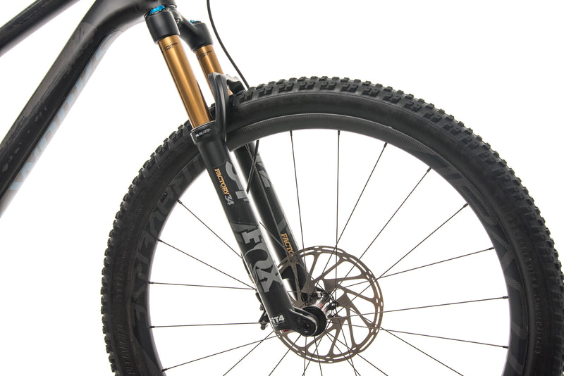 Specialized S-Works Stumpjumper ST Mountain Bike - 2019, Large front wheel