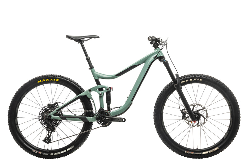 Giant Reign 2 Mountain Bike - 2020, Medium drive side