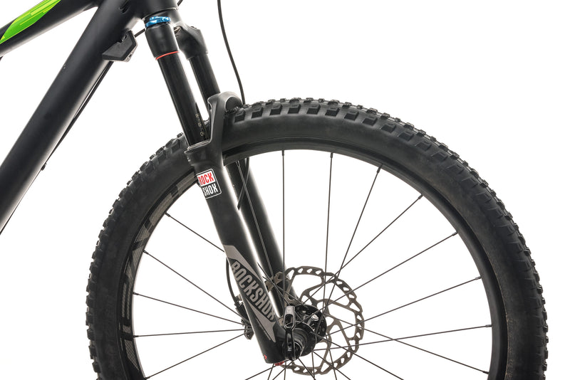 Specialized Camber Comp 650B Mountain Bike - 2016, Medium cockpit