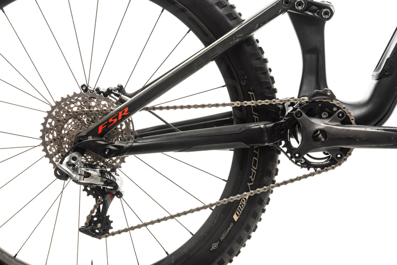 Specialized S-Works Stumpjumper FSR Carbon 650B Mountain Bike - 2016, Medium drivetrain