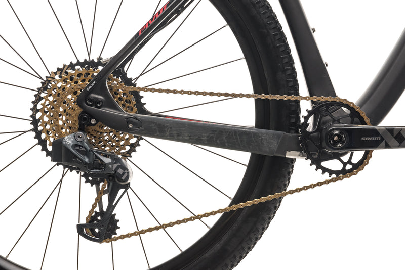 Pivot Cycles Les V2 Mountain Bike - 2019, Medium drivetrain