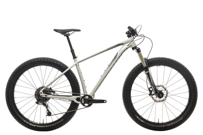 Specialized Fuse Comp 6Fattie Mountain Bike - 2016, Medium drive side