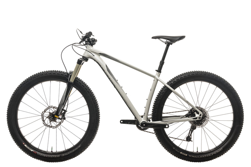 Specialized Fuse Comp 6Fattie Mountain Bike - 2016, Medium non-drive side