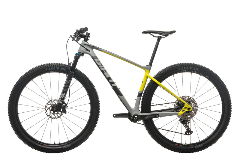 Giant XTC Advanced + Mountain Bike - 2017, Medium non-drive side