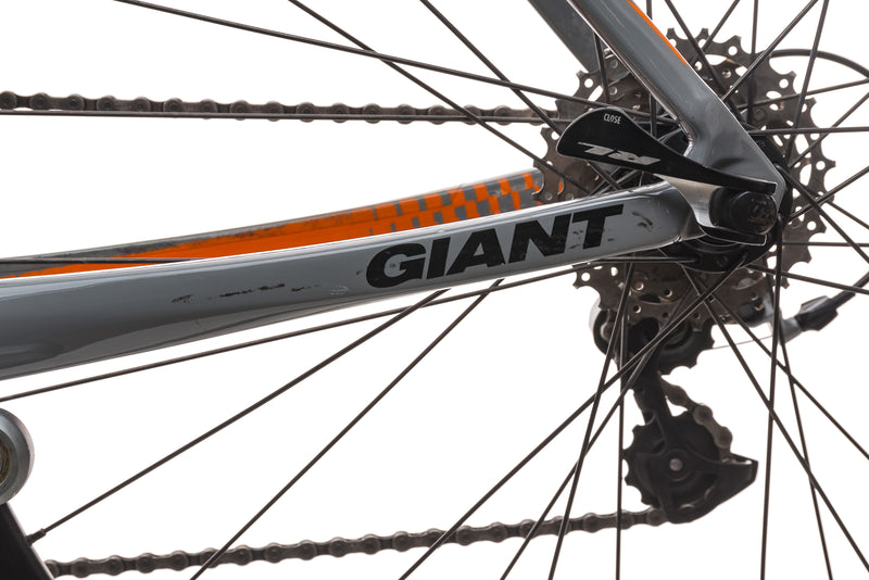 Giant Defy Composite 1 Medium Bike - 2014 detail 2
