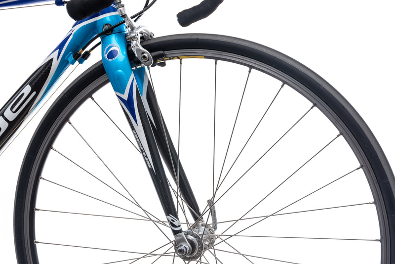 Blue RC6 54.5cm Bike - 2006 front wheel