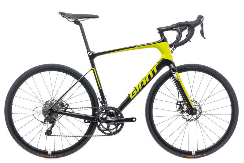 Giant Defy Advanced 2 Lime Medium Large Bike - 2016 drive side