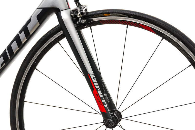 Giant TCR Advanced Road Bike - 2019, Medium front wheel