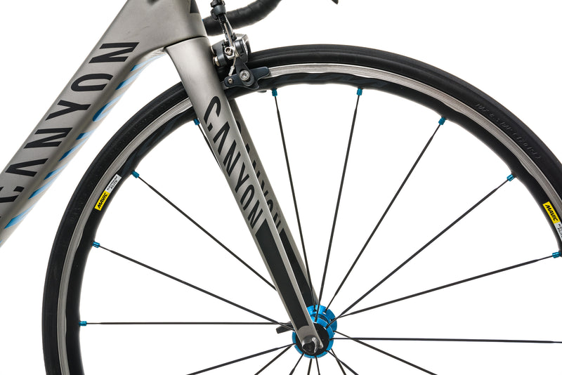 Canyon Ultimate CF SL 8.0 Road Bike - 2017, Small front wheel