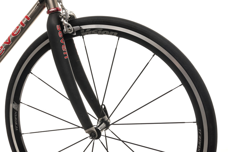 Seven Alaris SG Road Bike - Medium front wheel