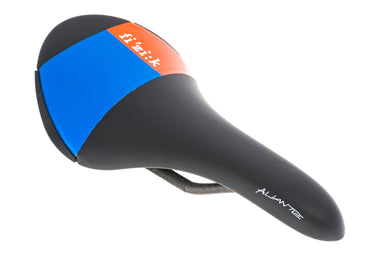 Fizik Aliante R1 Saddle 138mm Carbon Rails Black/Blue/Orange - Pre-Owned