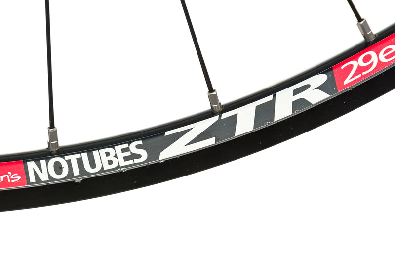 "Stan's NoTubes Race Gold Aluminum Tubeless 29"" Wheelset detail 1"