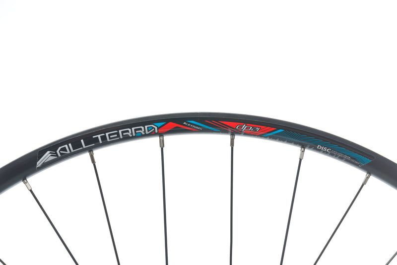 "GT All Terra Aluminum Clincher 29"" Wheelset cockpit"