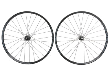 "Race Face Aeffect R 30 Aluminum Tubeless 27.5"" Wheelset"