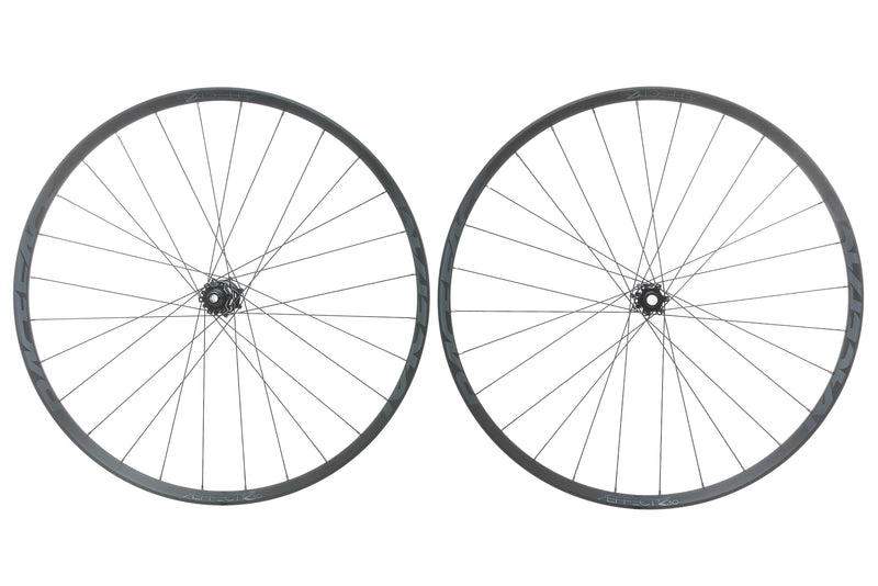 "Race Face Aeffect R30 Aluminum Tubeless 29"" Wheelset drive side"