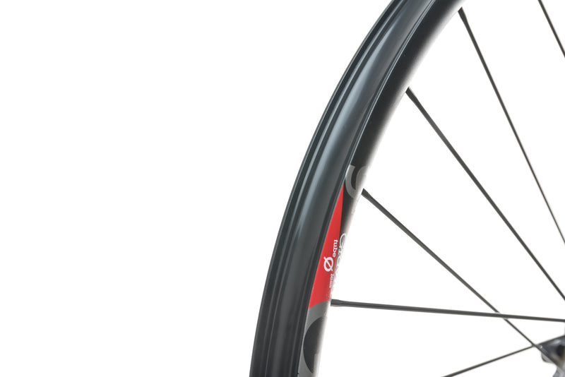 "Industry Nine Gravity Aluminum Tubeless 29"" Rear Wheel drivetrain"