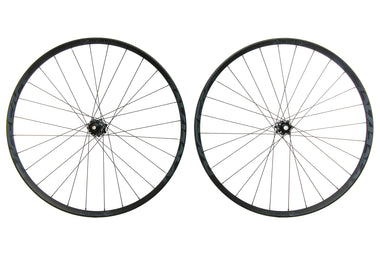 "Race Face Aeffect R30 Aluminum Tubeless 27.5"" Wheelset"