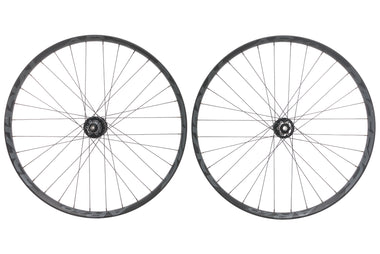 "Race Face AR 40 Aluminum Tubeless 27.5"" Wheelset"