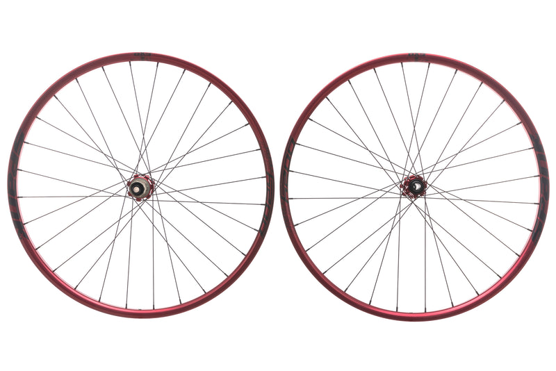 "Spank Oozy Trail 260 Evo Tubeless 27.5"" Wheelset Red drive side"